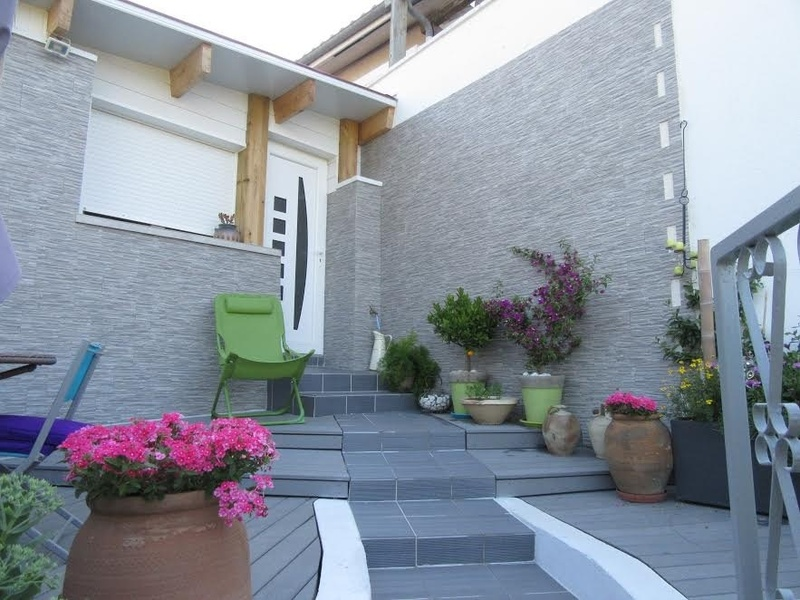 Terrasse Lames Composite Et Carrelage Gris Terrasse En